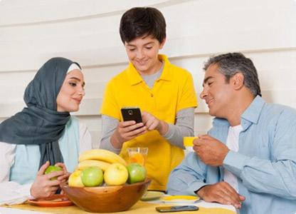 نگاهی به خطرات فضای مجازی بر جوانان و نوجوانان/ راهکار چیست؟